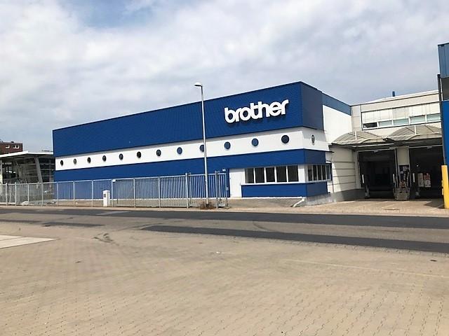 Brother Internationale Industriemachinen GmbH - Renoveveren bedrijfhallen in Emmerich am Rhein