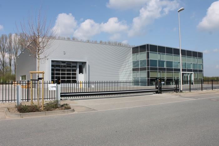 OnLevel Gmbh - Kantoren met bedrijfshal in Emmerich am Rhein